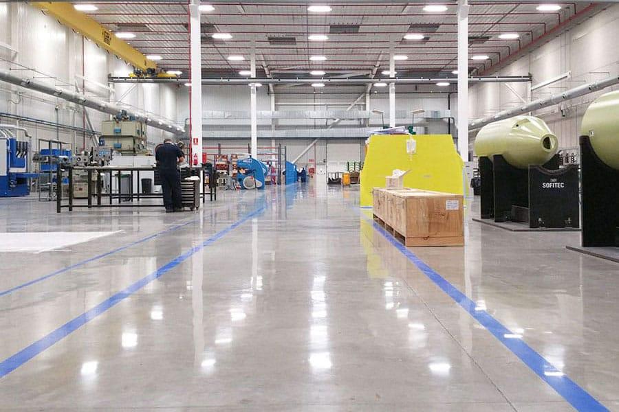 La importancia de la señalización en el pavimento industrial parkings