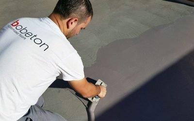 ¿Por qué se fisuran los pavimentos de microcemento?